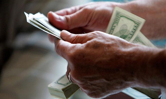 За 3 месяца украинцы перевели из-за рубежа 1,6 миллиардов долларов