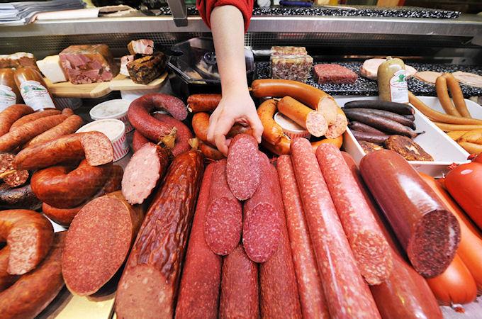 Продажа украинской колбасы снизилась на 6%