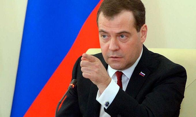 Украина является банкротом — Медведев