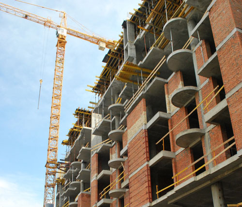 Спрос на жилье в Украине высок, продажи – снижаются