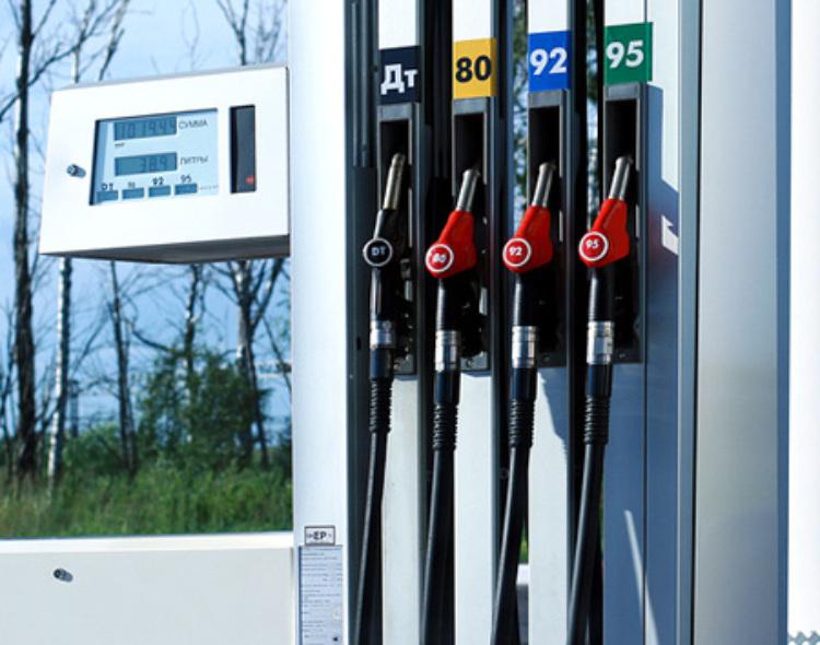 В Украине стали меньше потреблять бензин