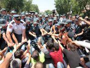 "В Ереване началась новая акция ""тарифного протеста"""