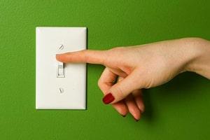Платите меньше: 17 лайфхаков, как сэкономить электроэнергию