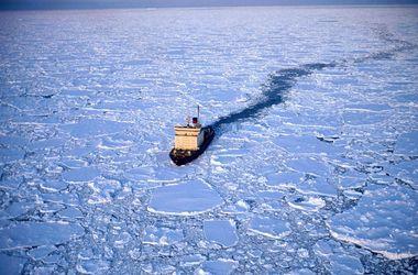 В блокадный Крым продукты будут доставлять на ледоколах