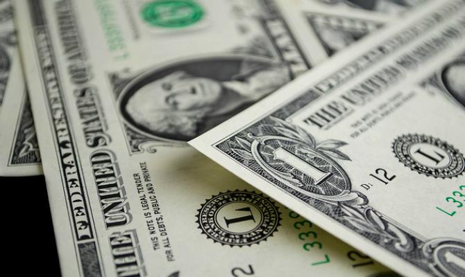 Украинцы активно избавляются от долларов
