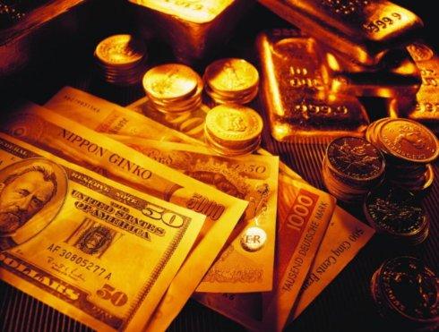 В какие валюты стоит конвертировать гривну в 2016 году