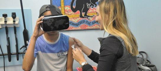 Виртуальная реальность при вакцинации