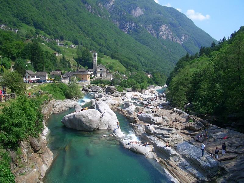 Верзаска признана самой прозрачной рекой в мире (фото)