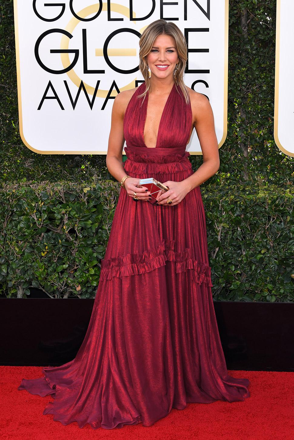 Самые отчаянные декольте звезд Голливуда на премии «Золотой глобус — 2017»