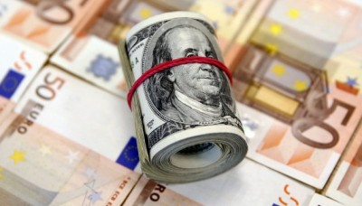 Курс доллара снизился перед заседанием ФРС