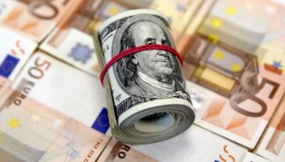 Курс доллара – инвестора массово сбрасывают рубль