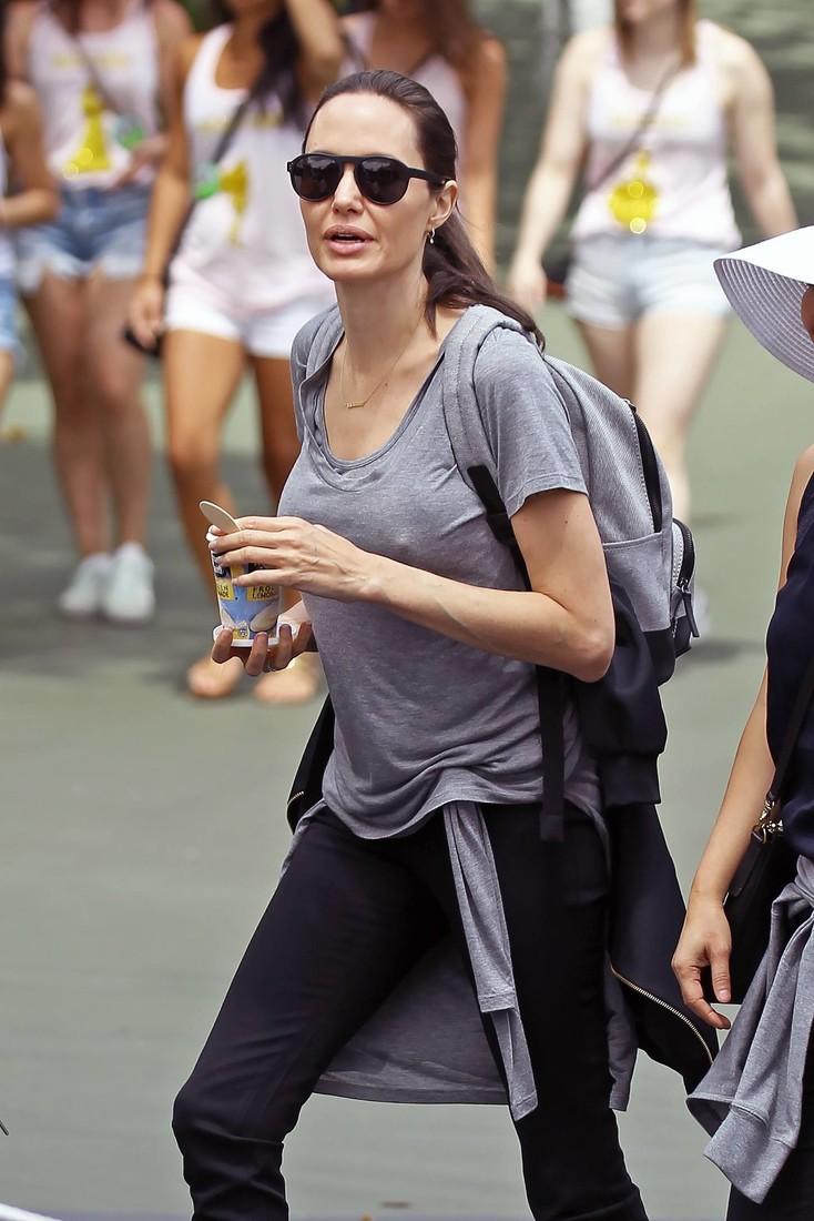 Анджелина Джоли перекачала ботоксом лицо – американская пресса