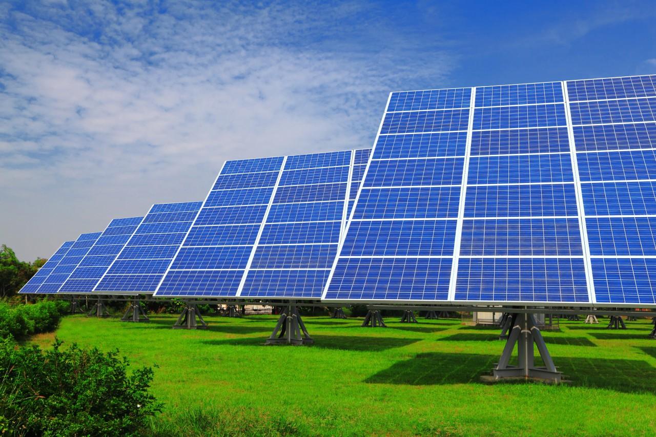 Прогноз Bloomberg: через пять лет солнечная энергия станет дешевле угольной