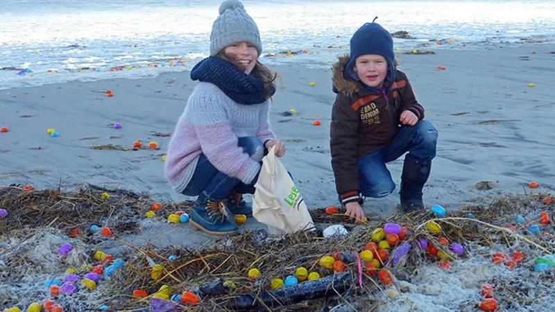 На берег Германии выплыло около миллиона Lego и киндер-сюрпризов (фото)