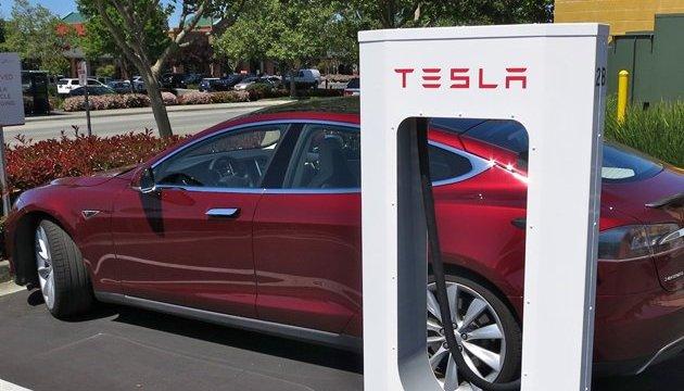 Tesla запускает производство дешевого электромобиля