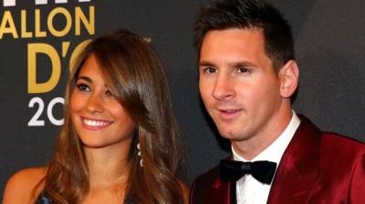Лучший футболист десятилетия женится на подруге детства