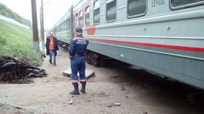В Сибири канализацией смыло пассажирский поезд