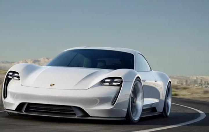 Porsche выпустит конкурента Tesla до 2019 года (фото)