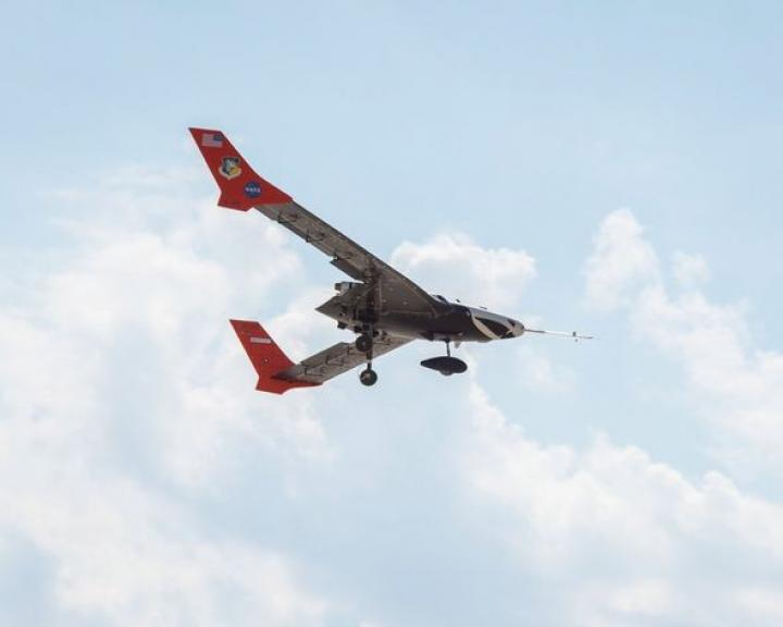 NASA и Lockheed Martin тестируют самолет с гибким крылом