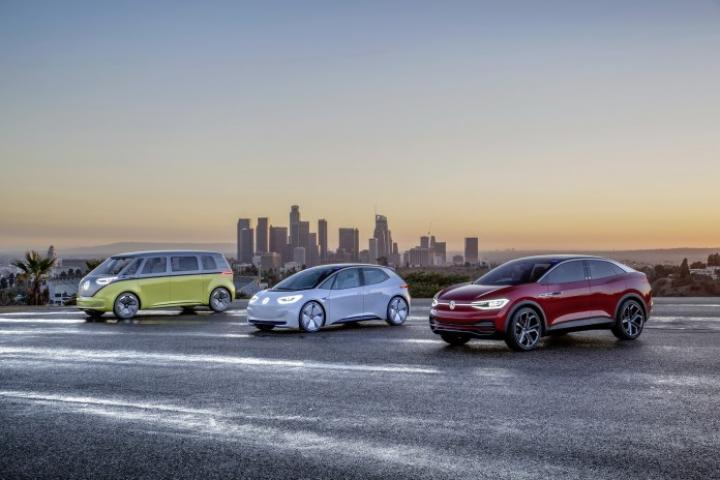 Электромобили Volkswagen «возьмут курс» на Apple (фото)