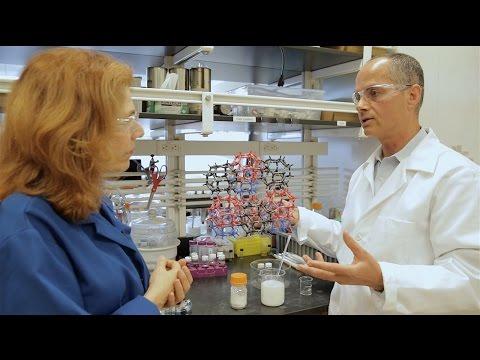 Исследователям удалось добыть воду из сухого воздуха (видео)