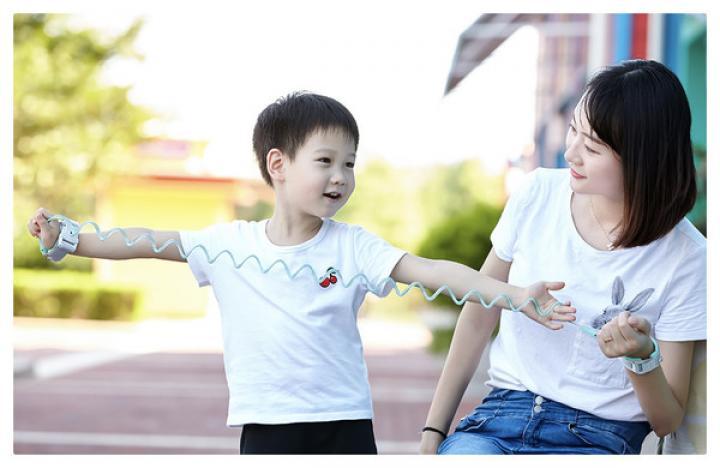 Xiaomi выпустила наручники для детей (фото)