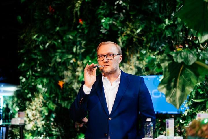 Новый IQOS 3 в Украине: зачем табачной компании «играться» в гаджеты