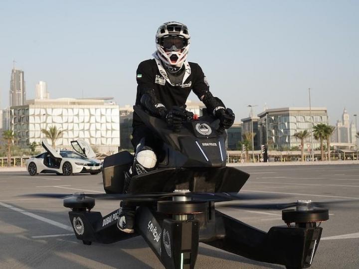 Полиция Дубая пересаживается на летающую технику (фото)