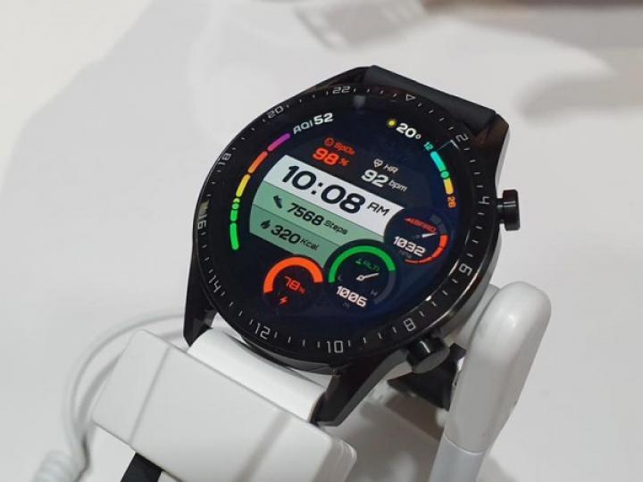 Huawei представила умные часы с автономностью до двух недель (фото)
