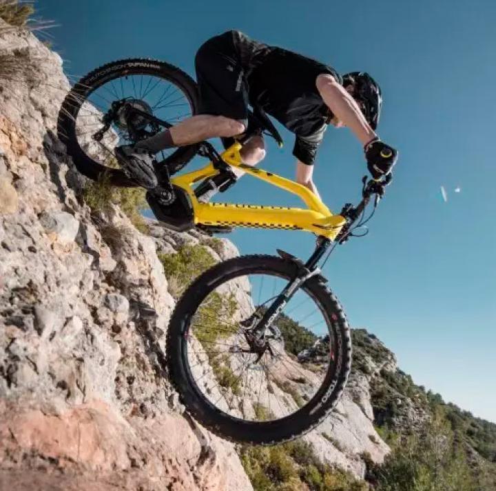 Peugeot представил электрический велосипед (фото, видео)