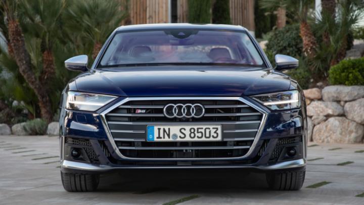 Audi представила новый седан S8 (фото)