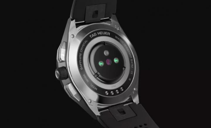 Tag Heuer выпустила новое поколение умных швейцарских часов премиум-класса (фото)