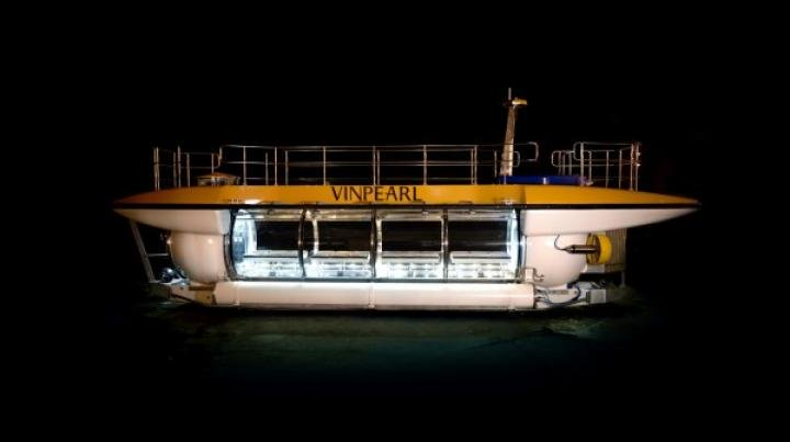 Туризм под водой: создана первая вместительная подводная лодка (фото)