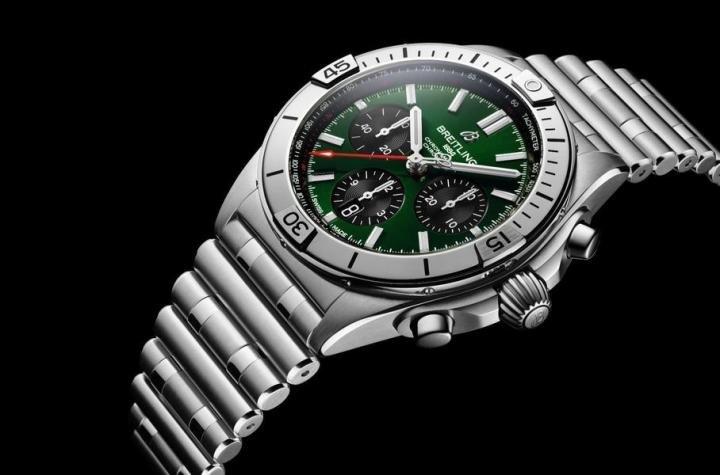 Компания Bentley выпустила часы (фото)