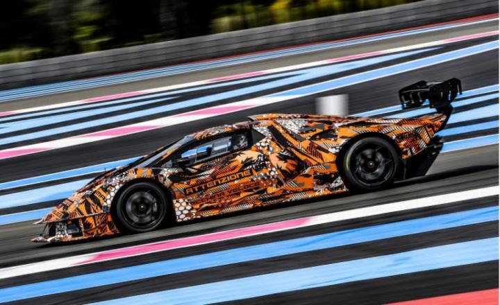 Lamborghini показал новый гоночный суперкар SCV12
