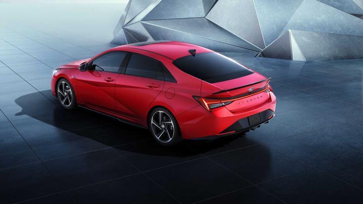 Hyundai официально представила седан Elantra N Line (фото, видео)