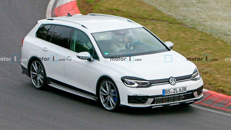 Volkswagen готовит к премьере универсал Golf R (фото)