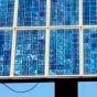 В Киеве запустили крупную солнечную электростанцию на крыше многоэтажки (видео)