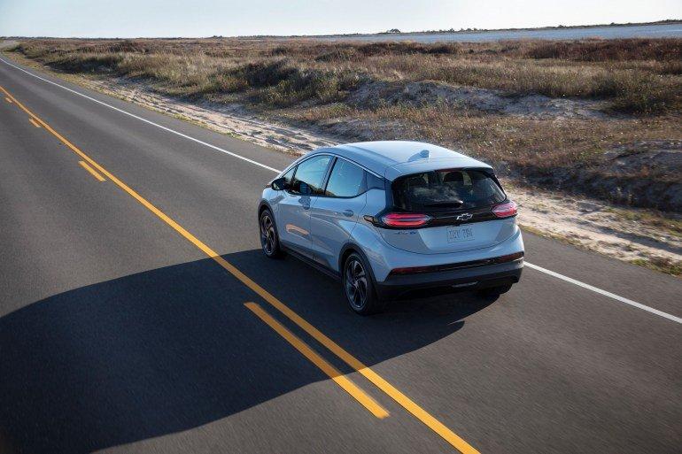 Chevrolet представил обновленный электрохэтчбек Bolt EV (фото)
