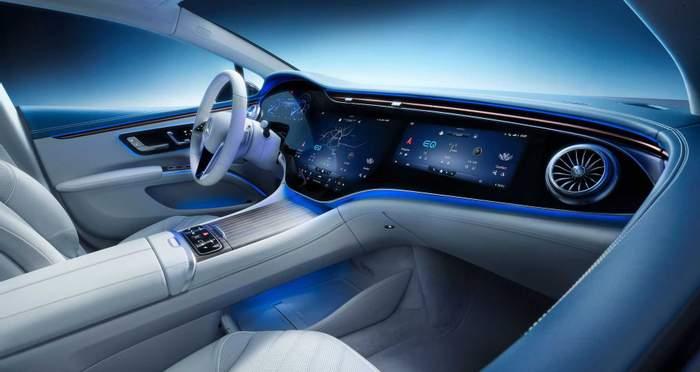Mercedes-Benz EQS полностью раскрыл свой интерьер (фото)