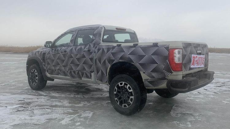 В Китае представили новый бюджетный аналог Toyota Tundra (фото)